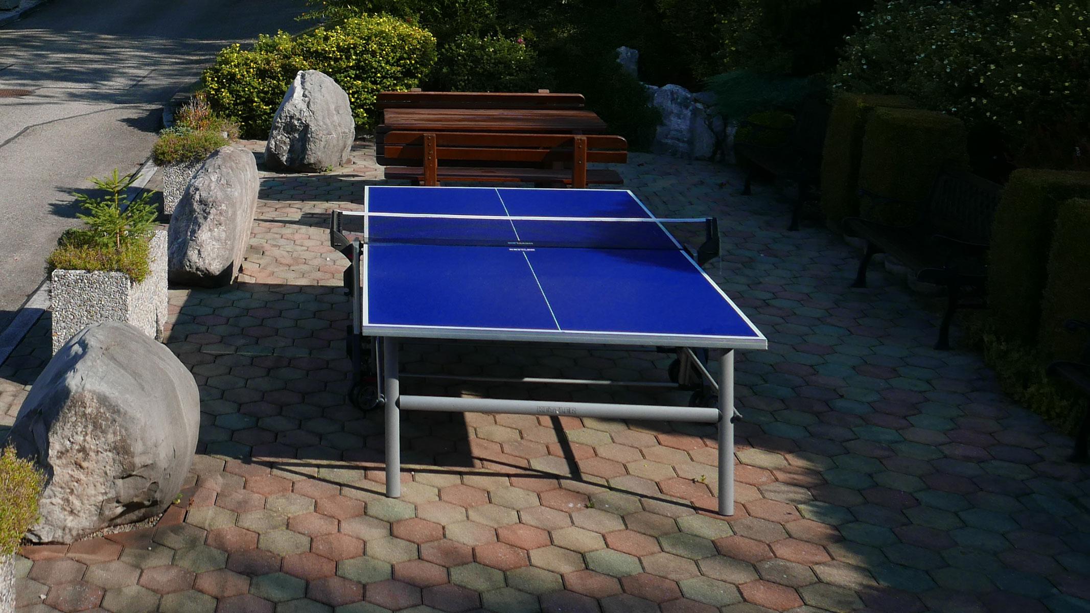 Tischtennisplatz vor dem Gasthof Sonnenhof