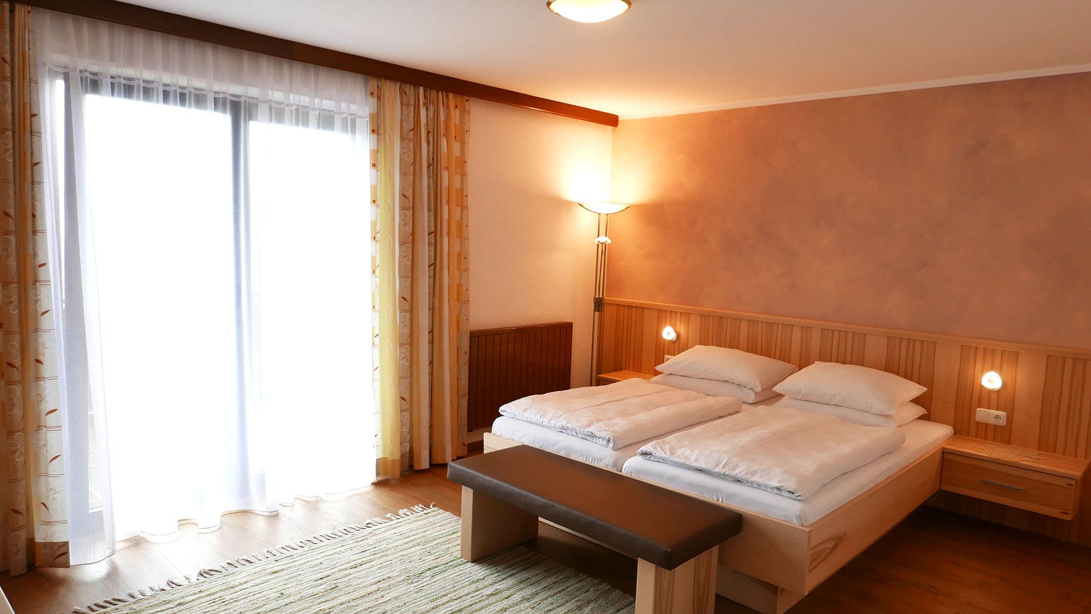komfortabl eingerichtete Zimmer im Gasthof Sonnenhof